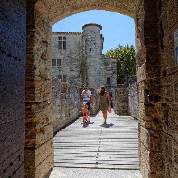 Partire all'assalto della città medievale - Aigues-Mortes