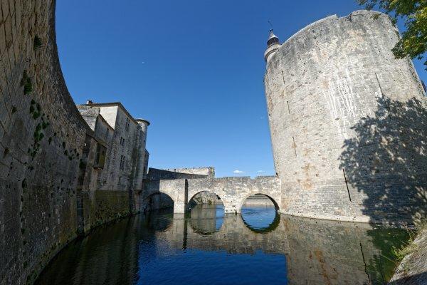 Visites guidées de la ville, de la tour de Constance et des remparts