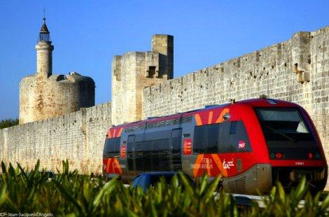 Ter occitanie - train - rempart