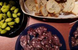 Saucisson-olives-croutons