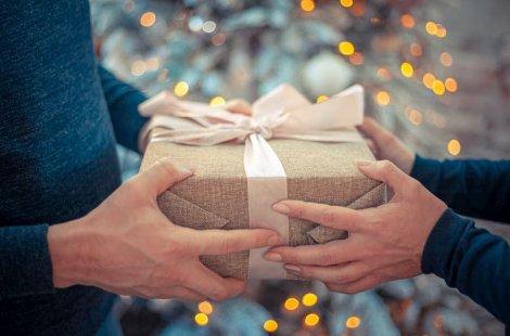 Offrir cadeau 600x900